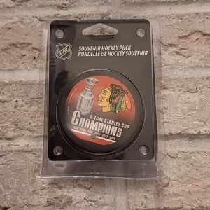 Chicago Blackhawks 6 Time Stanley Cup Puck